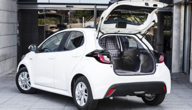 Новата Toyota Yaris Ecovan: хибриден ван за Европа
