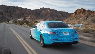 Mercedes-Benz разказа за обновения E-Class
