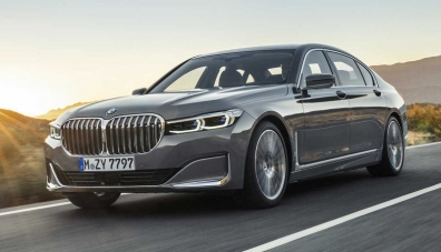 """Обновената """"седмица"""" на BMW: огромни ноздри и фарове като при X7"""