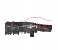 Задна дясна основа дръжка Renault Megane II 1.9 DCI 90 конски сили 8200076073
