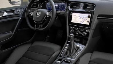 Показаха интериора на новия Volkswagen Golf