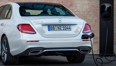 Mercedes-Benz вярва в дизела